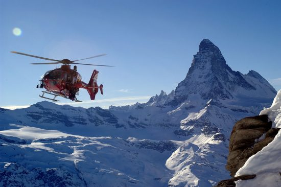 Tourist flights with Air Zermatt around the Matterhorn
