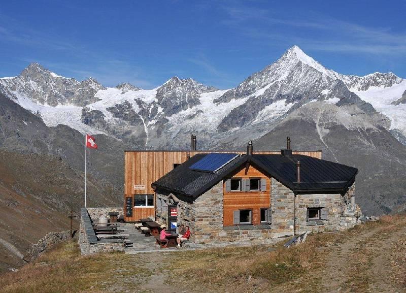 Zermatt Berghuette Taeschhuette