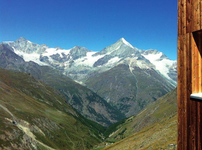 Taeschhuette Aussicht Zermatt