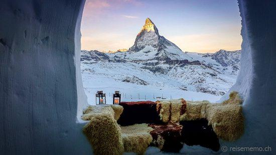 Zermatt Igludorf mit Blick auf das Matterhorn