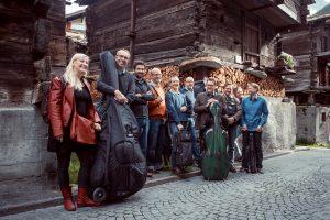 Musiker im alten Dorfteil von Zermatt