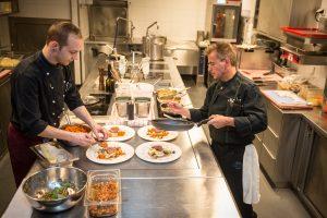 Live dabei: Kitchen Around - Veranstaltung in Zermatt am Matterhorn.