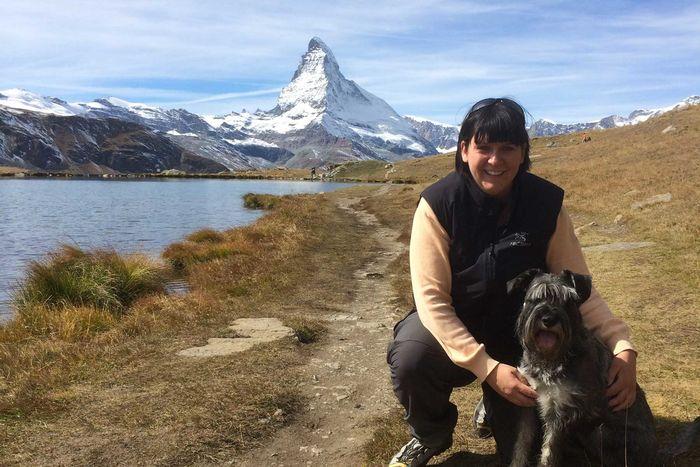 Wandern in Zermatt mit Blick auf das Matterhorn