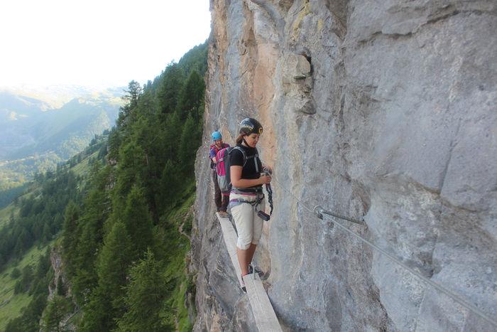 Klettersteig in Zermatt: Holzbalken sorgen für Adrenalin-Kicks