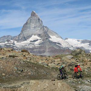 Biker vor dem Matterhorn