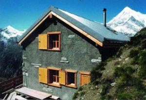 Von Zermatt auf die Kinhuette bei Randa wandern.