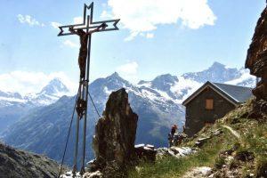 Ausblick von der Kinhuette in Zermatt