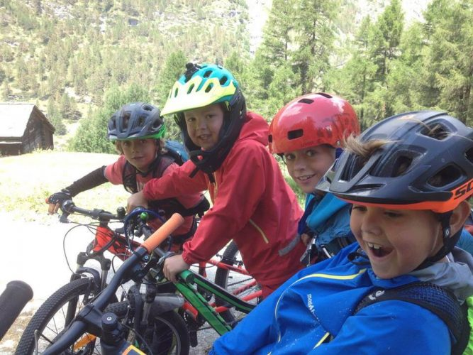 Camp Move It Zermatt Mountain biking