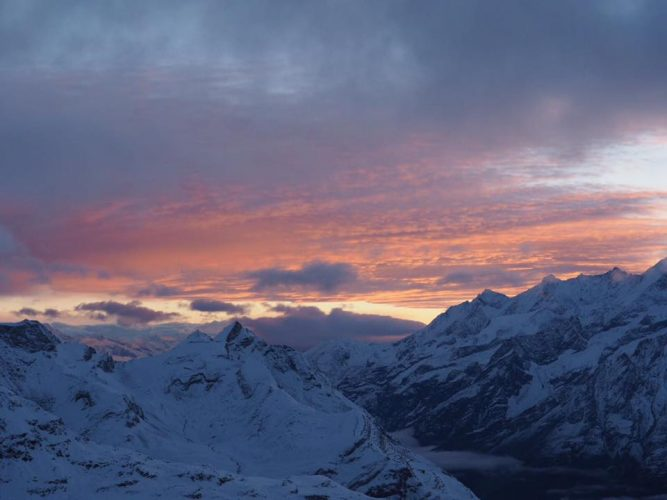 Beautiful sunrise during the descent to the Matterhorn