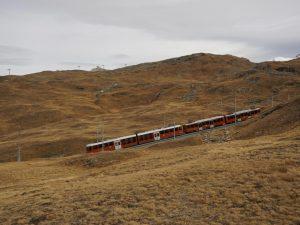 Wanderung mit Kindern am Riffelseeweg in Zermatt - Start mit der Gornergratbahn