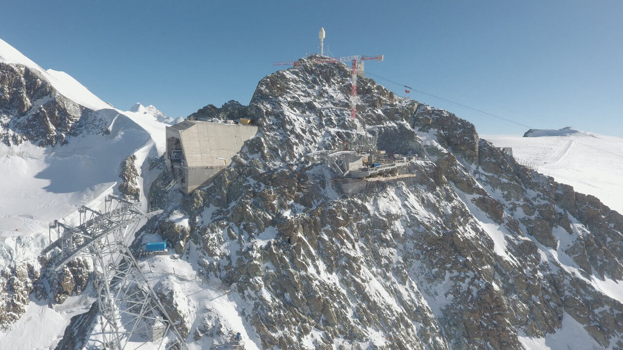 Baustelle 3S Bahn, Blick auf Berg, Schnee