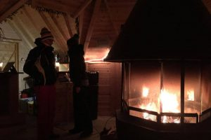 Iglu Übernachtung, Feuerstelle, aufwärmen