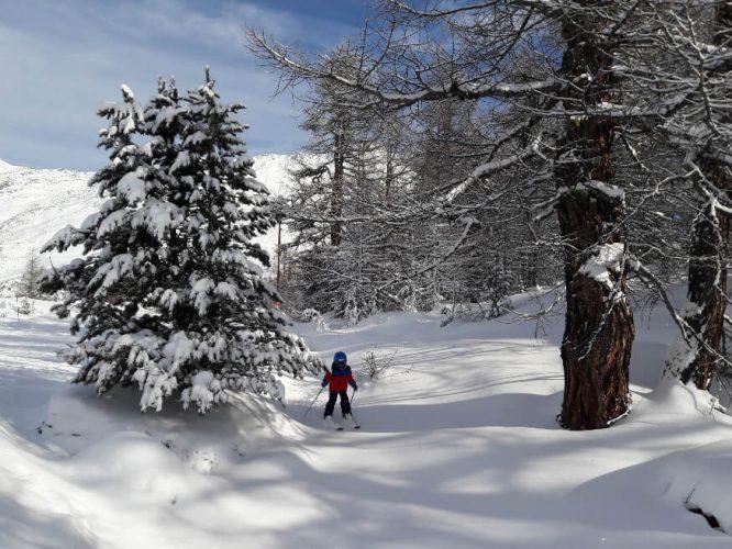 Skifahren mit Familie auf Sunnegga in Zermatt