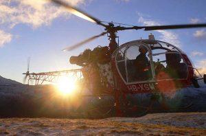 Helikopther vor dem Sonnenuntergang