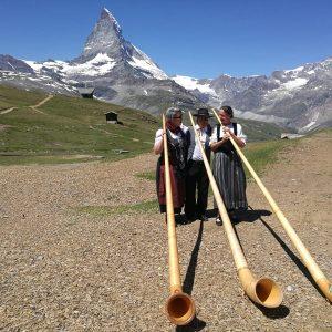 """Alphorntrios """"vibrazioni arcaiche"""" mit Matterhorn"""