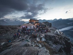 Mammut Alpine Festival - Gandegghütte mitten am Berg