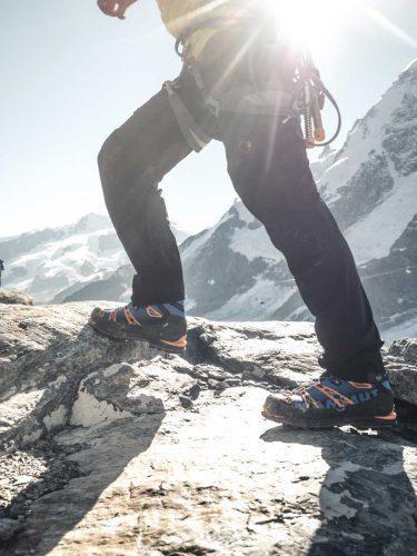 Bergsteigen mit Kletterausrüstung