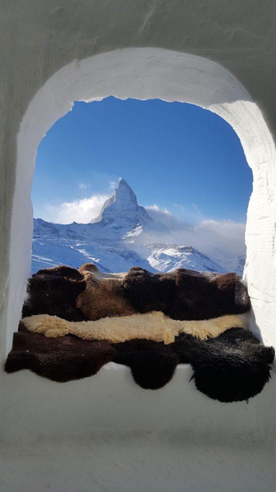 Ausblick von Iglu auf Matterhorn