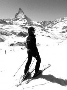 Weid Sylvie als Skilehrerin auf der Piste