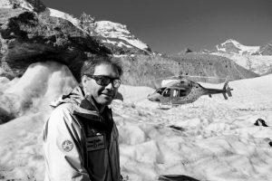 Anjan Truffer am Berg mit Air Zermatt